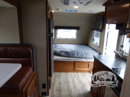 Lance 1575 Travel Trailer Interior