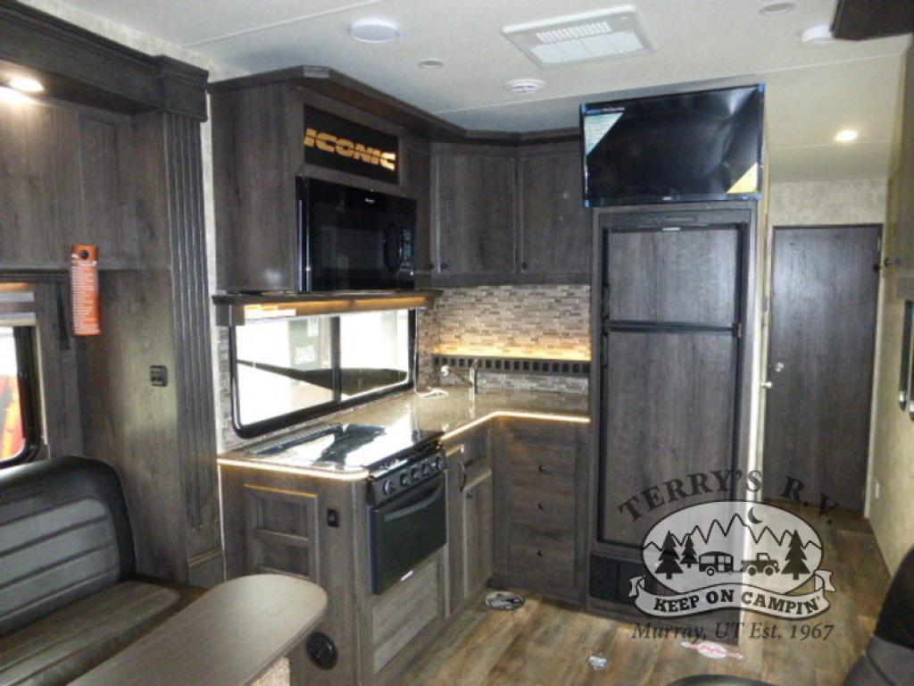 Eclipse Iconic Wide Lite kitchen