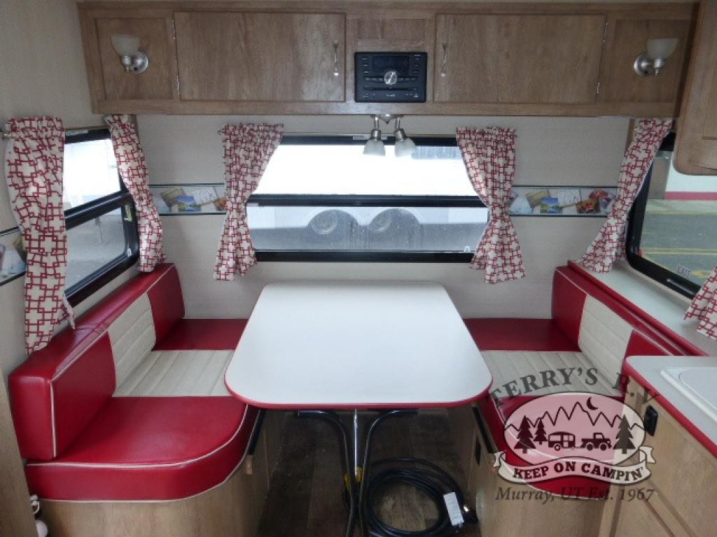 Gulf Stream Vintage  Cruiser Interior