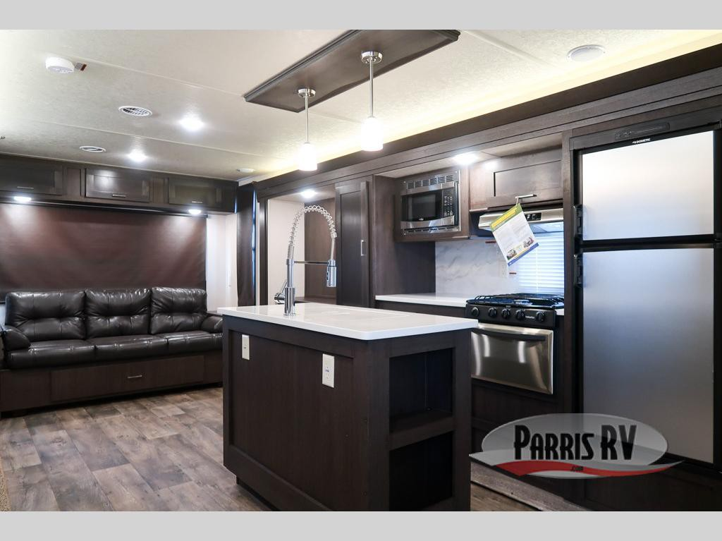 Parris Forest River Salem kitchen