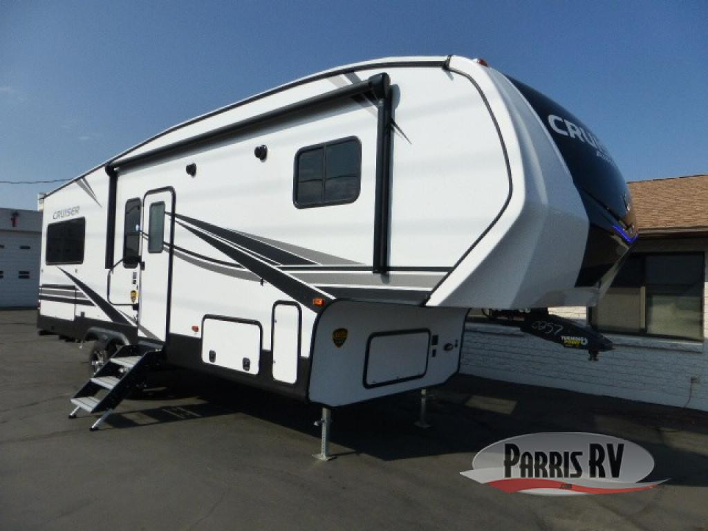 Cruiser Fifth Wheel Exterior