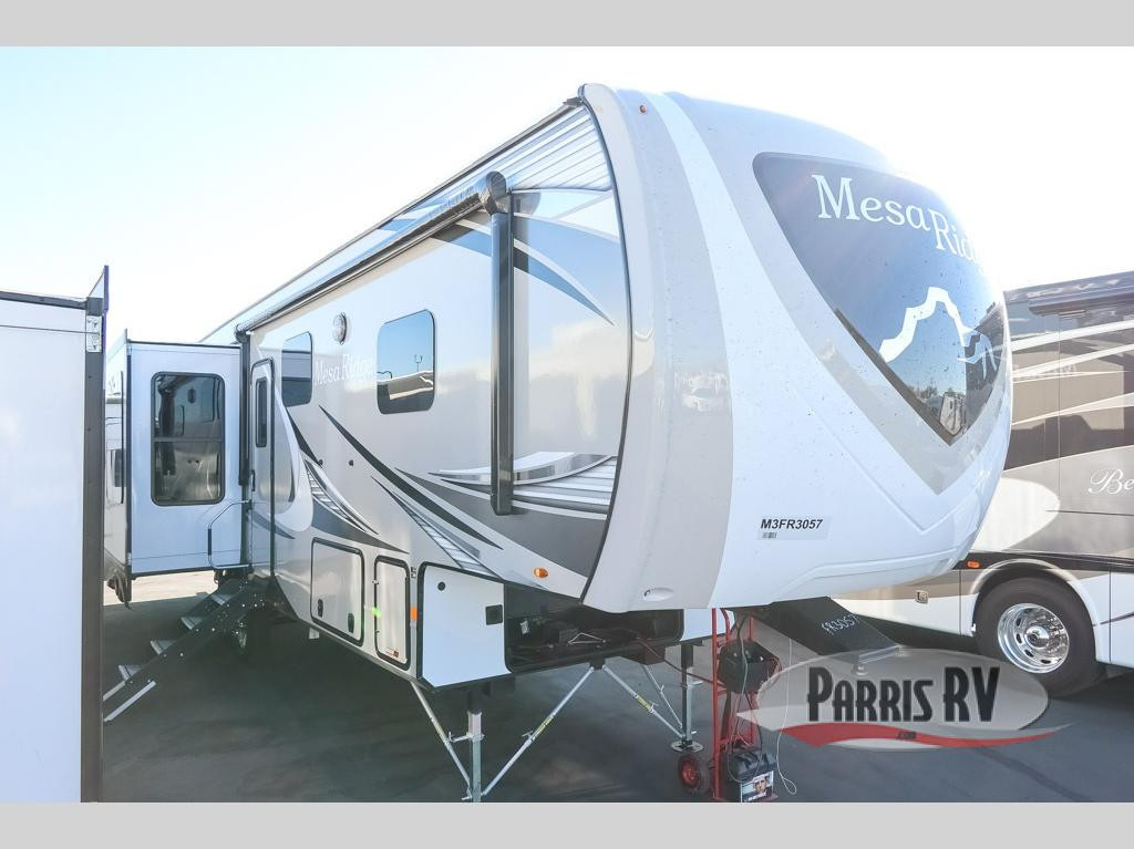 Mesa Ridge Fifth Wheel Exterior